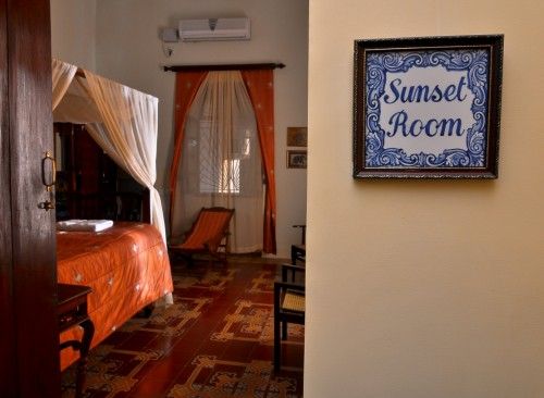 Sunset Room - Main Villa - King Size Bed